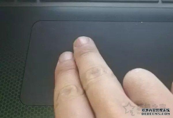 笔记本电脑触摸板怎么用?笔记本电脑触摸板使用小技巧
