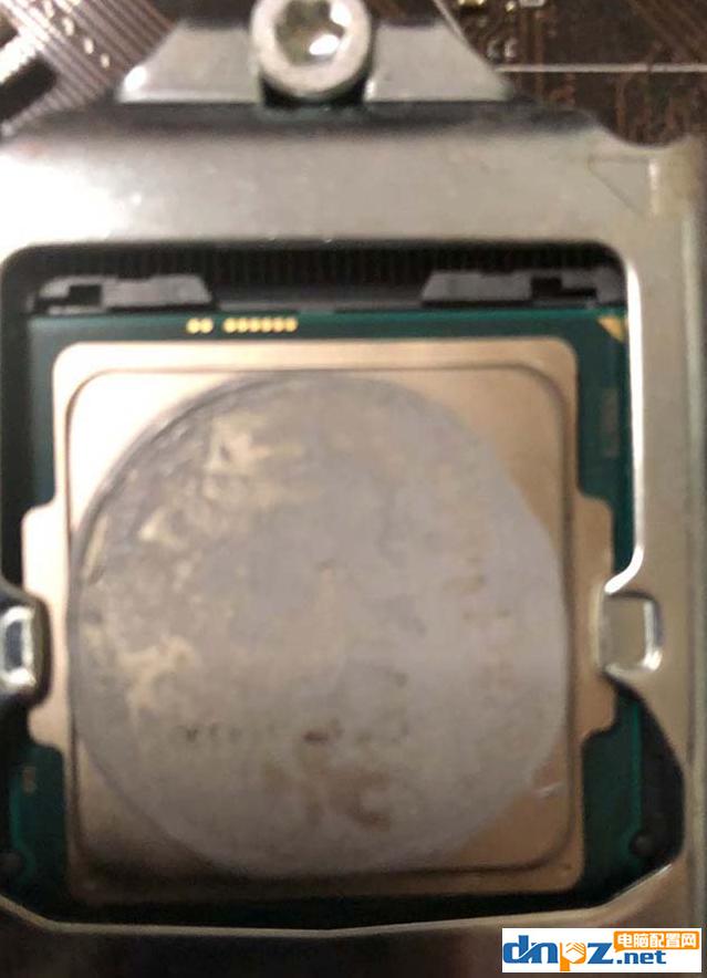 散热硅脂怎么涂?怎么往cpu上涂硅胶?